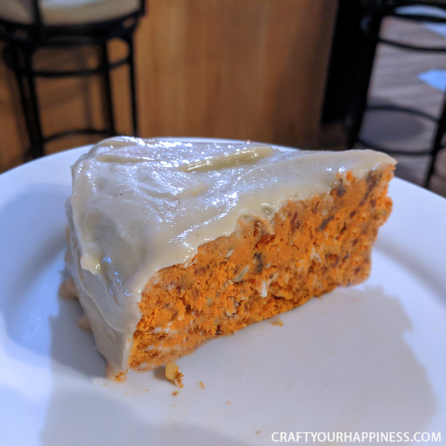 This healthy raw carrot cake recipe is perfect for all you plant eaters and vegans out there and also those who want a decadent dessert without the guilt.