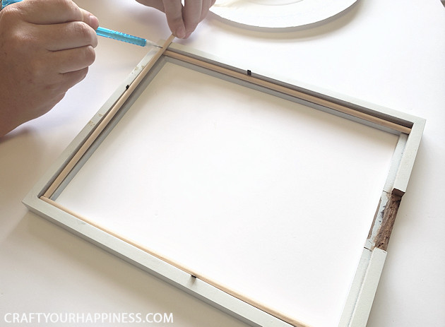 Looking for unique wedding ideas? You'll love this unique DIY guest book! It's inexpensive and a wonderful gift for the bride and groom or anyone!